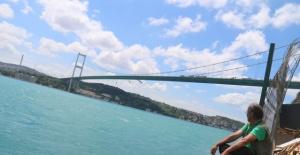 Turkuaz İstanbul Boğazı manzarası