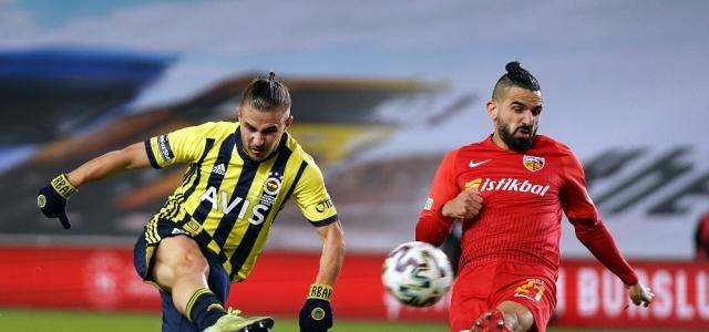 Süper Lig: Fenerbahçe: 1 - Kayserispor: 0 (Maç devam ediyor)