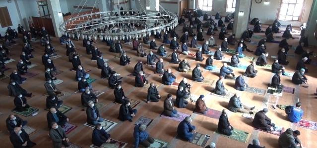 Cuma namazı öncesi vatandaşlara 'Afet Farkındalık Eğitimi' verildi