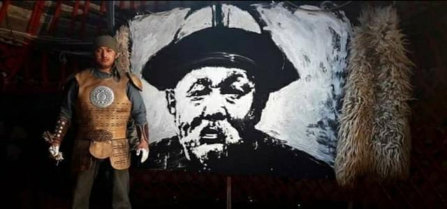 Kırgız ressam yoğurtla portre çizdi