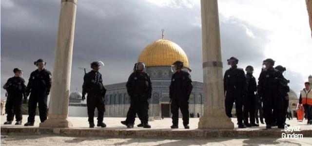 Terör devleti İsrail Mescid-i Aksa'da terör estiriyor