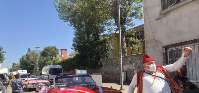 Fatih sokaklarında bayram coşkusu