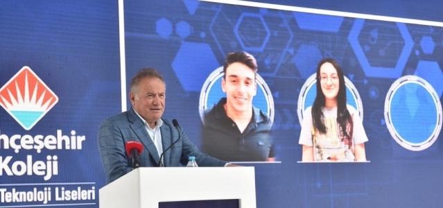 Bahçeşehir Koleji Fen ve Teknoloji Liseleri 15. yılını kutladı