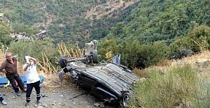 Otomobil 150 metreden uçuruma yuvarlandı,...