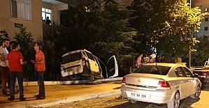 Otomobil evin bahçesine girdi: 1 yaralı