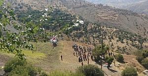 Yaralıya ambulans helikopter müdahale...