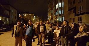 Mahalle halkı baz istasyonu için sokağa döküldü