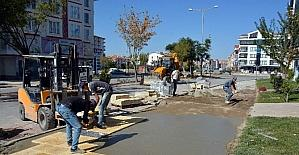 Aksaray Belediyesi kaldırımları yenilemeye devam ediyor