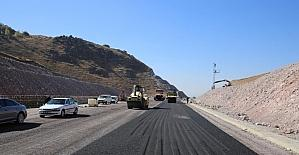 Aldülhamid Han Bulvarında asfaltlama çalışması başladı