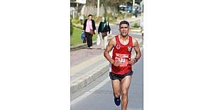Başarılı atlet Bayram, 'Cumhuriyet Koşusu'na hazırlanıyor