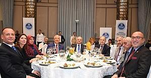 """Başkan Kocamaz, """"Mersin'i Keşfet"""" konuklarıyla yemekte bir araya geldi"""