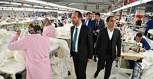 Başkandan tekstil firmasına ziyaret