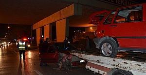 Bursa'da yayaya çarpan otomobile başka otomobil çarptı
