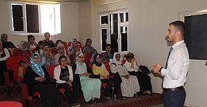 Cizre'de kadın kursiyerlere yaşlıların bakımı semineri verildi