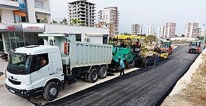 Erdemli'de asfalt çalışmaları sürüyor