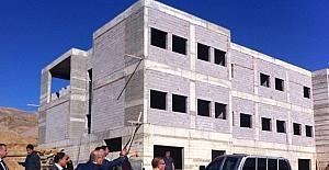 FÜ Rektörü Demirdağ, yüksekokul binası inşaatını inceledi