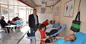 Gördes'te kan bağışına büyük ilgi
