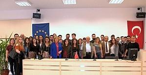 İBF öğrencileri gazetecilik mesleği konusunda bilgilendirildi