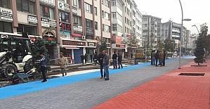 İzzet Baysal Caddesi rengarenk oluyor