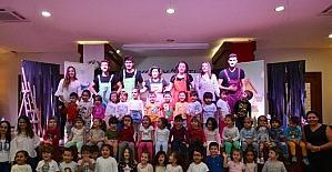 Konyaaltı Belediyesi'nden öğrencilere tiyatro