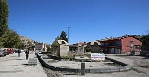 Melikgazi Belediyesi Gesi'de meydan düzenlemesi yaptı