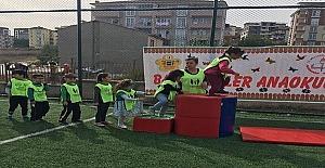 Minikler sporla eğlendiler