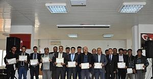 Sarıveliler'de kavak mantarı yetiştiriciliği kursiyerleri sertifikalarını aldı
