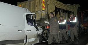 Tekirdağda minibüs ile kamyon...