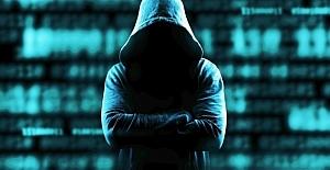 Ünlü isimlere şantaj yapan hackerdan...