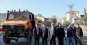 Vali Toprak belediye çalışmalarını inceledi