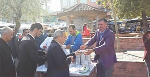 Vezirhan'da aşure dağıtımı