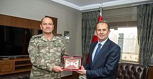 2. Ordu Komutanı Temel'den Vali Taşyapan'a Ziyaret
