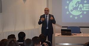 """AEGEE Eskişehir'den """"Proje Yazımı ve Yönetimi"""" eğitimi"""