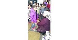 AK Parti Adıyaman Kadın Kollarından öğrencilere mont yardımı