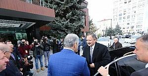Bakan Özhaseki Kayseri Büyükşehir Belediyesi'ni örnek gösterdi