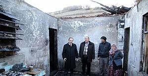 Başkan Şahin, evi yanan aileyi ziyaret etti