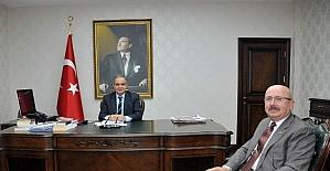 Belediye Başkanı Hayri Samur'dan Vali Tapsız'a ziyaret