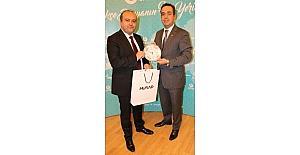 Ekonomi Bakan Yardımcısı Fatih Metin, Budapeşte'de 15 Temmuz Fotoğraf Sergisini Açtı