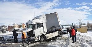 Eleşkirt'te trafik kazası; 1 yaralı