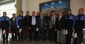Emniyet Müdürlüğü, Kemal Tekden'i öğrencilerle buluşturdu