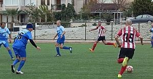Foça Masterler, Aliağagücü Masterler'i 3 golle yendi