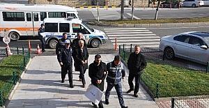 Gözaltındaki FETÖ zanlıları adliyeye sevk edildi