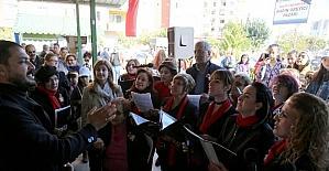 Kadın Üretici Pazarı'nda Şarkı Sesleri Yükseldi