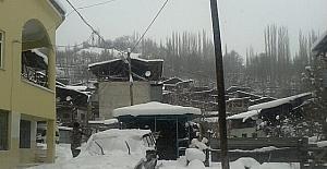 Kar nedeniyle köy ve mahalle yolları...