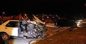 Kaza sonrası otomobil paramparça...