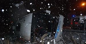 Kütahya'da yolcu otobüsü devrildi: 8 yaralı