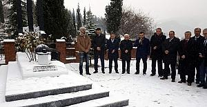 Metin Türker mezarı başında anıldı