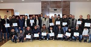 Okuma yazma öğrenen 60 Suriye ve Iraklı mülteciye sertifikaları verildi