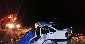 Otomobiller çarpıştı: 3 ölü