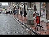 Silvan Belediyesi kaldırımlara çöp kovaları bıraktı